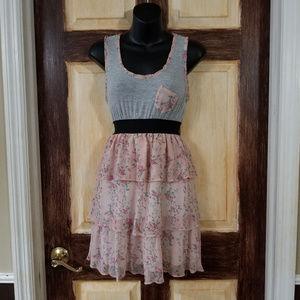 Sua Clothing Dress Size Small